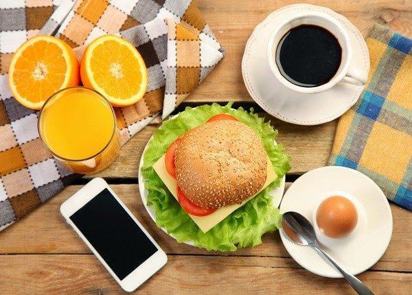 Банальный бутерброд с соком может обернуться самыми неприятными последствиями