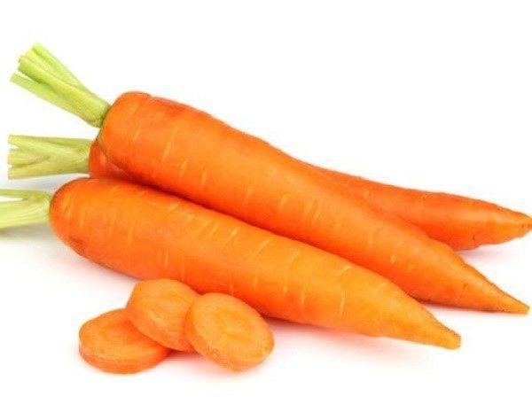 Богатые каротином продукты могут привести к изменению цвета фекалий