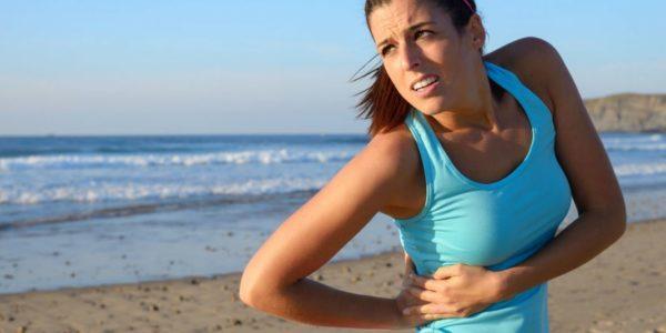Бок может болеть из-за увеличения давления на внутренние органы