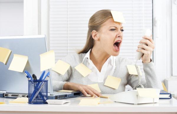 Частые стрессы и эмоциональное напряжение тоже приводят к проблемам с ЖКТ