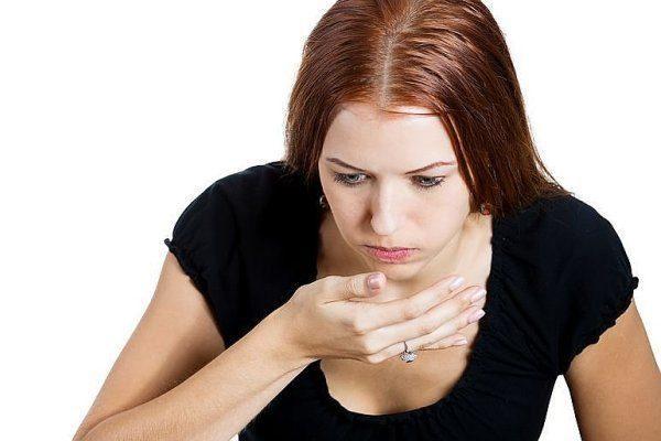 Еще одно неприятное проявление лямблиоза - резкие приступы тошноты