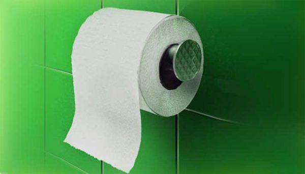 Если появление зеленого кала сочетается с другими тревожными симптомами - срочно обращайтесь к врачу
