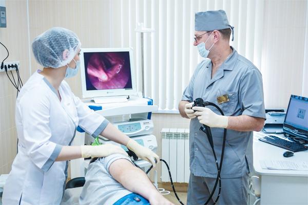 Гастроэнтеролог - это главный врач, к которому обязательно следует обратиться при проблемах с поджелудочной железой