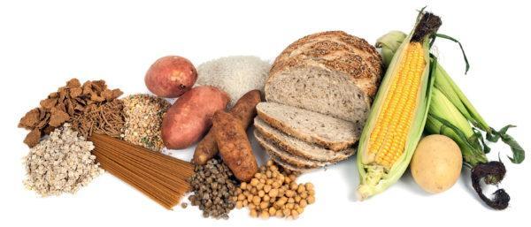 Грубую пищу следует тщательно пережевывать, чтобы не нанести вред слизистой оболочке