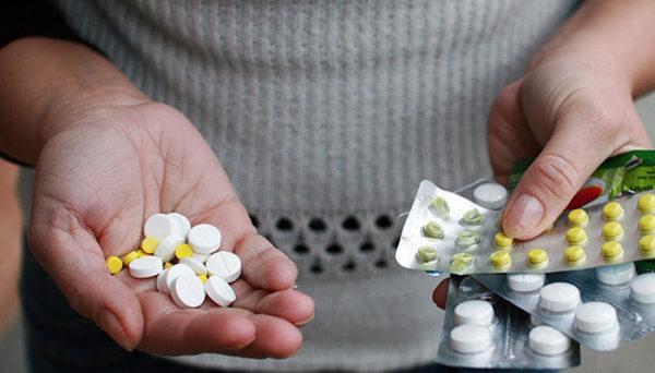 Какие таблетки принимать от пищевого отравления