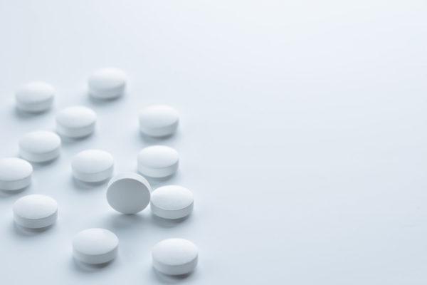 Какими препаратами лечатся анальные трещины