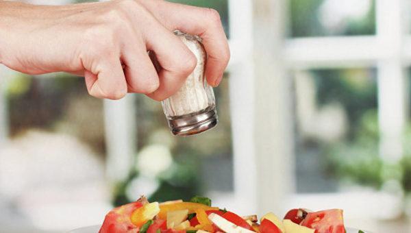 Количество соли в сутки не должно превышать 10 грамм