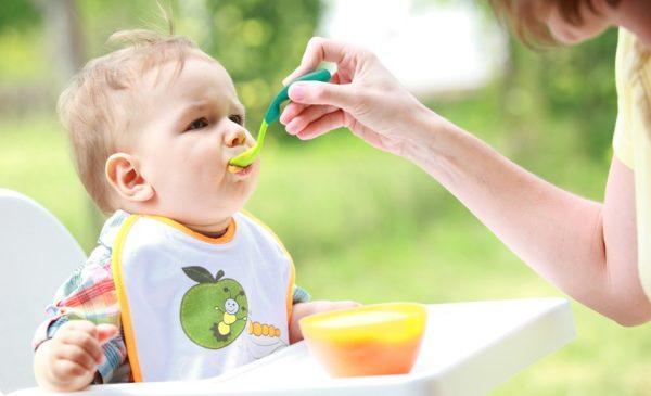 Кормить ребенка можно через 12 часов после последнего приступа рвоты