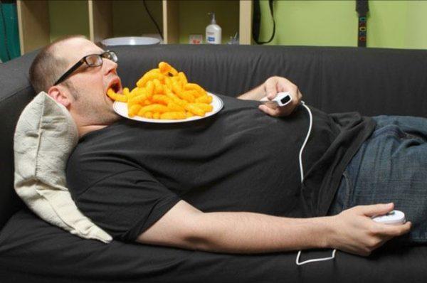 Малоподвижный образ жизни является одной из основных причин пищеварительных расстройств