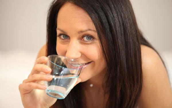 Можно пить подсоленную воду и минералку без газа