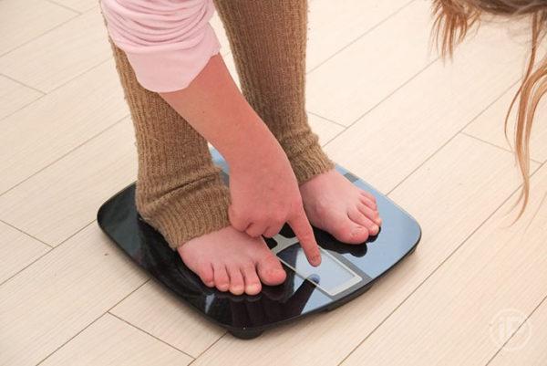 Перед приемом активированного угля стоит узнать свой вес