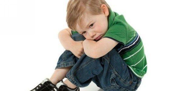 Почему у ребенка живот болит?