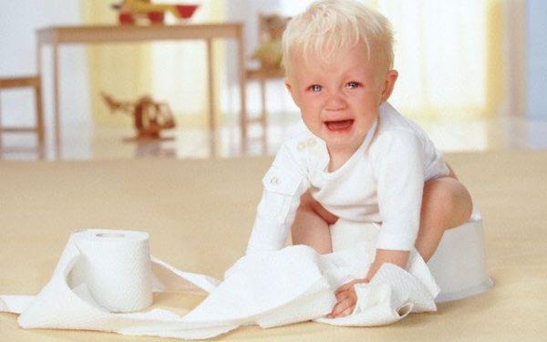 При энтеробиозе у детей наблюдается частый понос, метеоризм, приступы тошноты