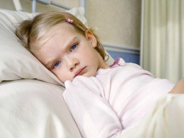 При лямблиозе у детей часто наблюдается повышенная утомляемость, апатия, резкая смена настроения