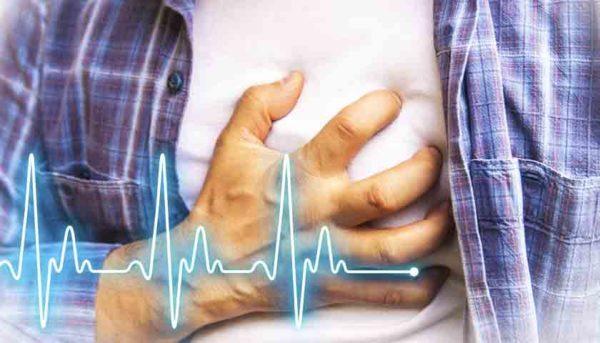 С развитием гипертонии повышается риск возникновения инсульта или инфаркта
