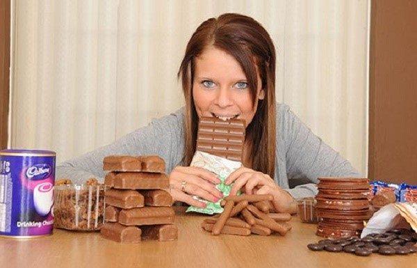 Шоколад может окрасить рвотные массы в темный цвет и запутать вас