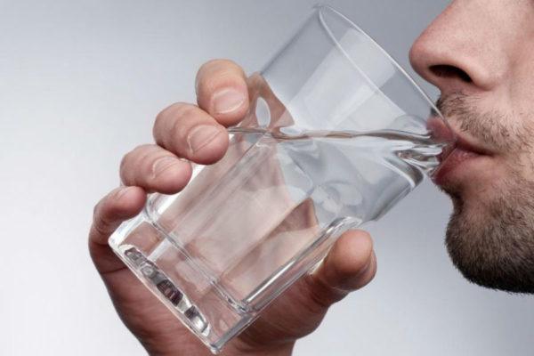 Сильное чувство жажды указывает на обезвоживание организма