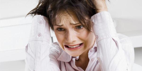 Сильный стресс - одна из причин развития болезни