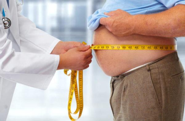 У людей с избыточным весом изжога возникает гораздо чаще, чем у других