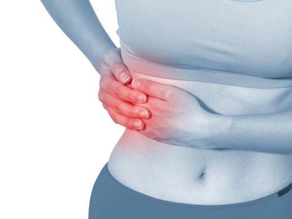 Желчная колика проявляется острой болью в правом подреберье
