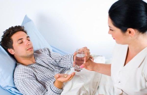 Способ лечения зависит от причины, вызвавшей рвоту