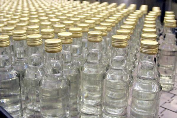 Случаи отравления алкогольными суррогатами гораздо тяжелее, чем интоксикация питьевым спиртом