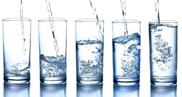 Необходимо выпивать в сутки достаточное количество воды