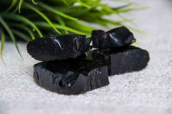 Мумие - мощная биологически активная добавка, в состав входят более 85 минералов и микроэлементов