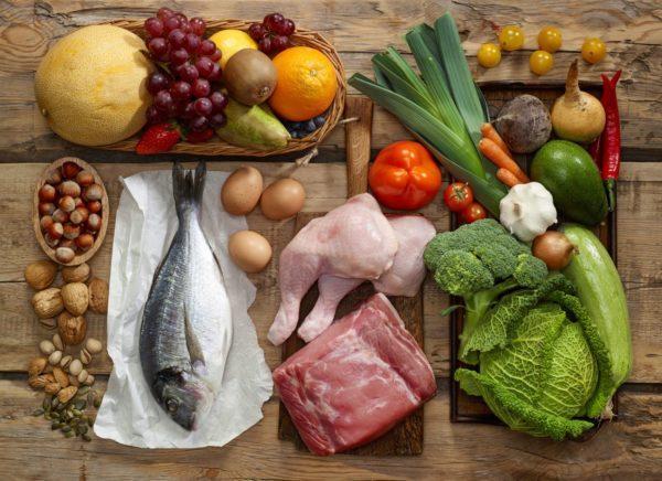 Упор нужно сделать на морепродукты, овощные супы, зелень и фрукты