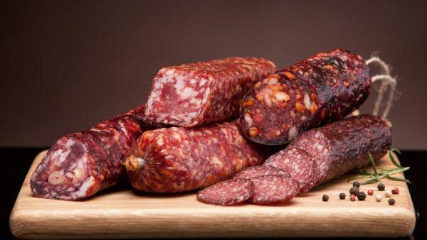 Колбасные изделия не рекомендуется употреблять перед ЭГДС