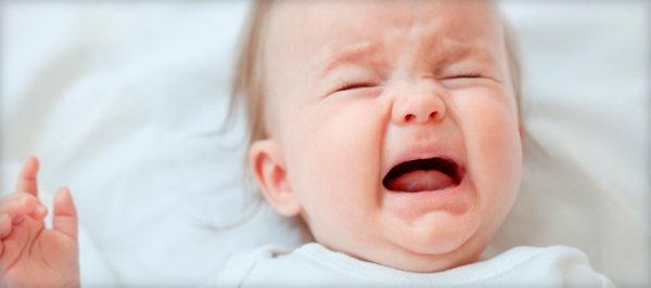 Чем ближе зуб подходит к поверхности, тем боль становится сильнее, и, как следствие, беспокойство ребенка