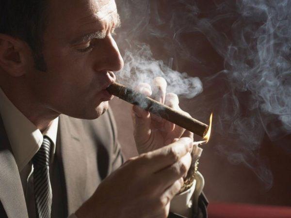 Пагубные привычки могут со временем привести к появлению опухоли
