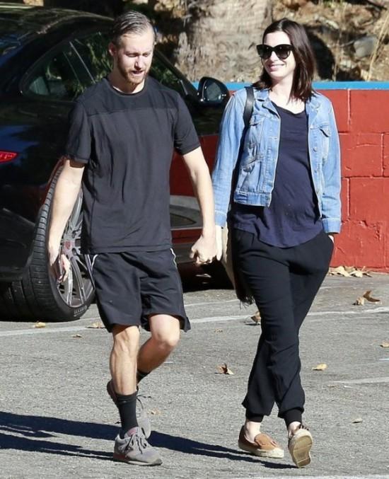 Семейные прогулки на ранних сроках беременности- лучший способ предупреждения токсикоза.