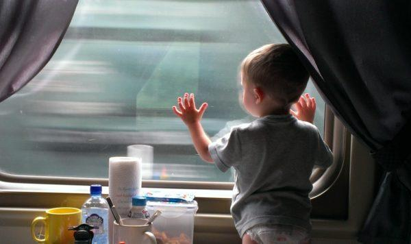 Укачивание в движущемся транспорте также часто провоцирует тошноту