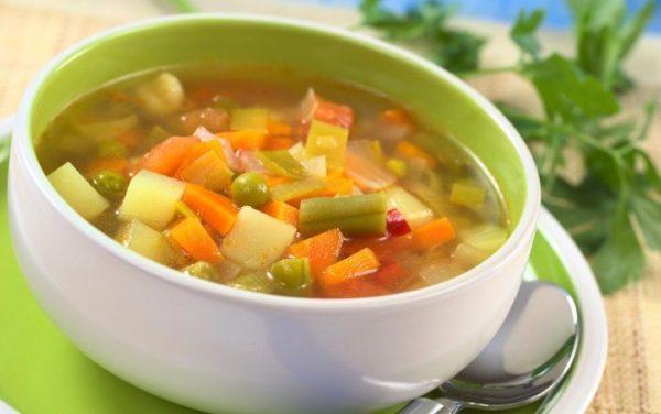 Овощные супы быстро усваиваются организмом и хорошо прочищают кишечник